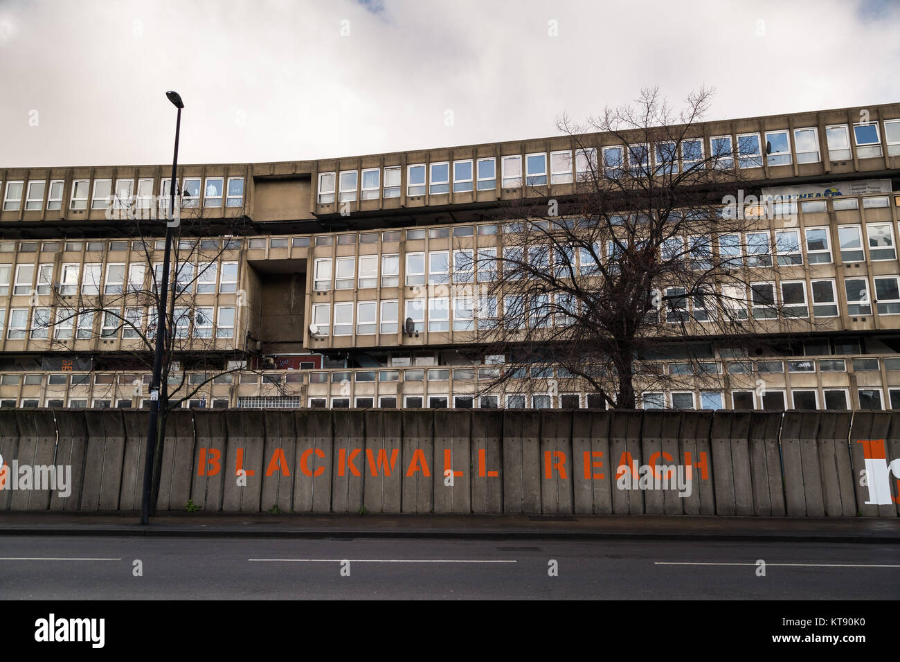 a geography of robin hood gardens estate Our illustrious mayor lutfur rahman turned up at poplar mosque & community centre woolmore street e14 on the robin hood gardens estate, on saturday, sunday & also monday evening for over 2.