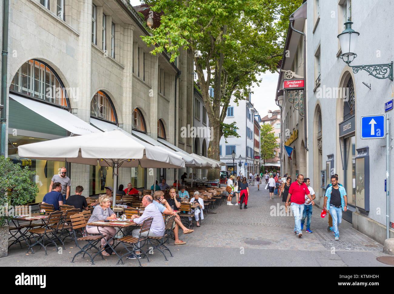 Cafe on In Gassen, Zurich, Switzerland - Stock Image