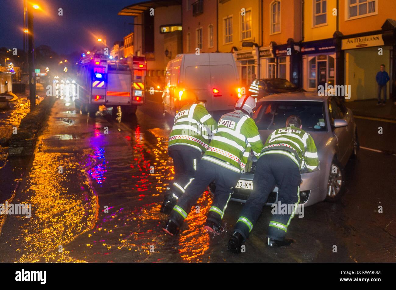 bantry-ireland-2nd-jan-2018-storm-eleano
