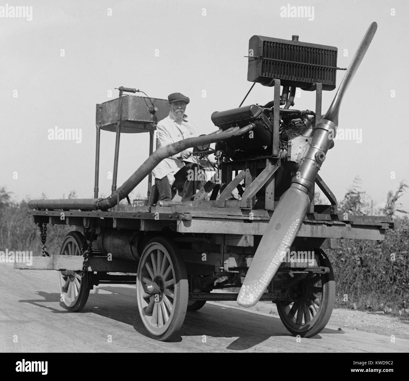 Man on wheeled vehicle with mounted propeller, in Washington, D.C. vicinity, Oct. 11, 1922 (BSLOC_2016_10_132) - Stock Image