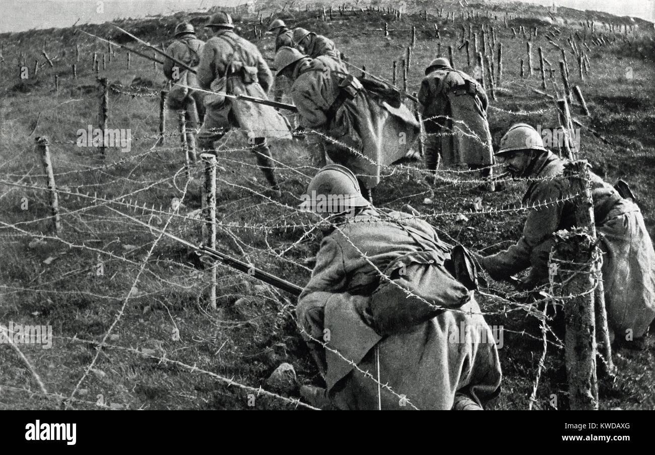 World war 1 barbed wire trench stock photos world war 1 - Battlefield 1 french soldier ...