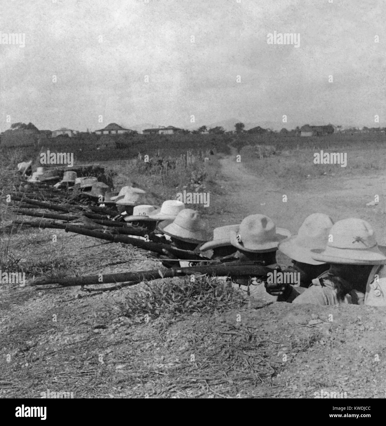 Cubans soldiers in their trenches in Pinar del Rio, the westernmost province of Cuba, ca. 1899 (BSLOC_2017_10_44) - Stock Image