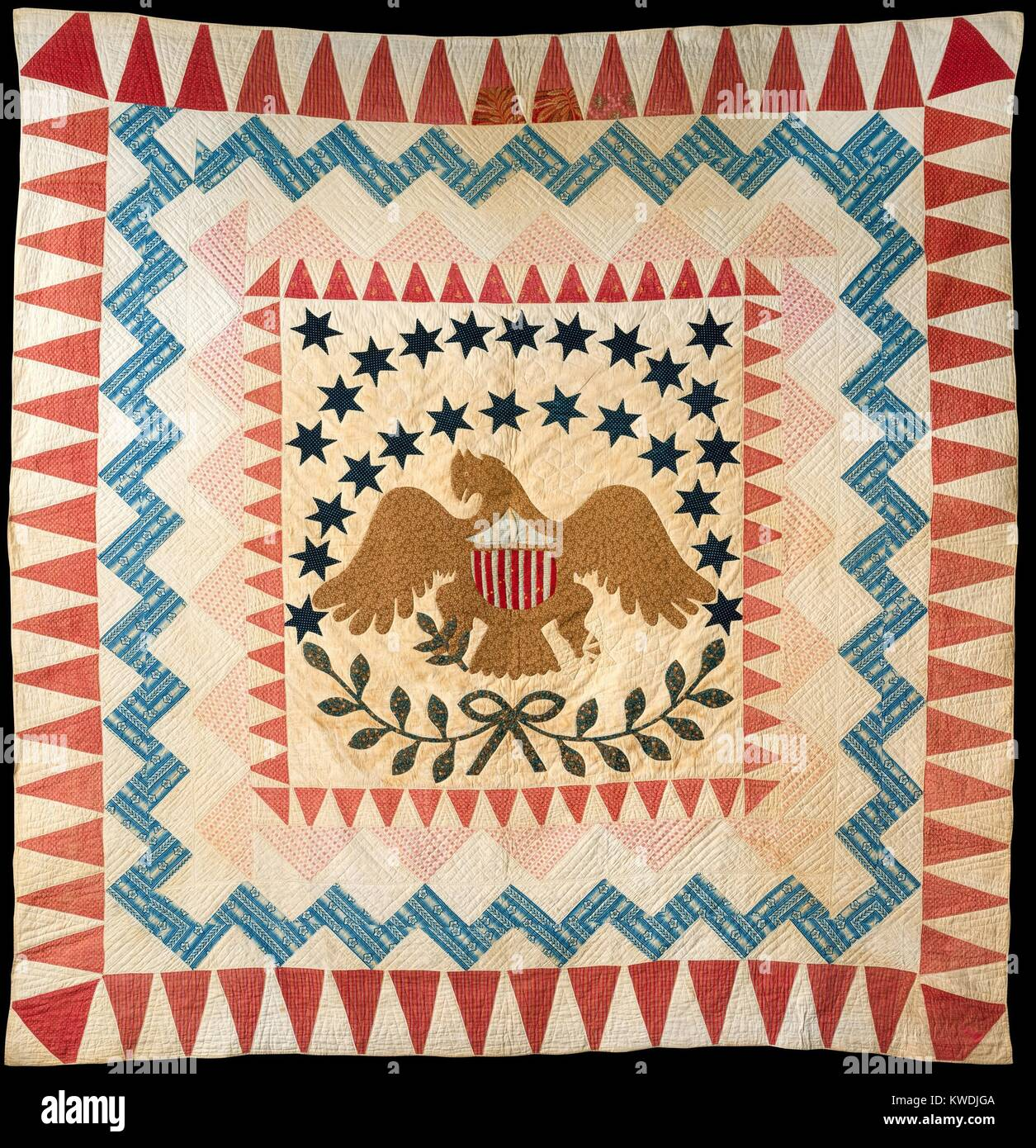 QUILT, EAGLE PATTERN, 1837-50, New England, American crafts, cotton textile. The quilt is dated by its printed cottons - Stock Image