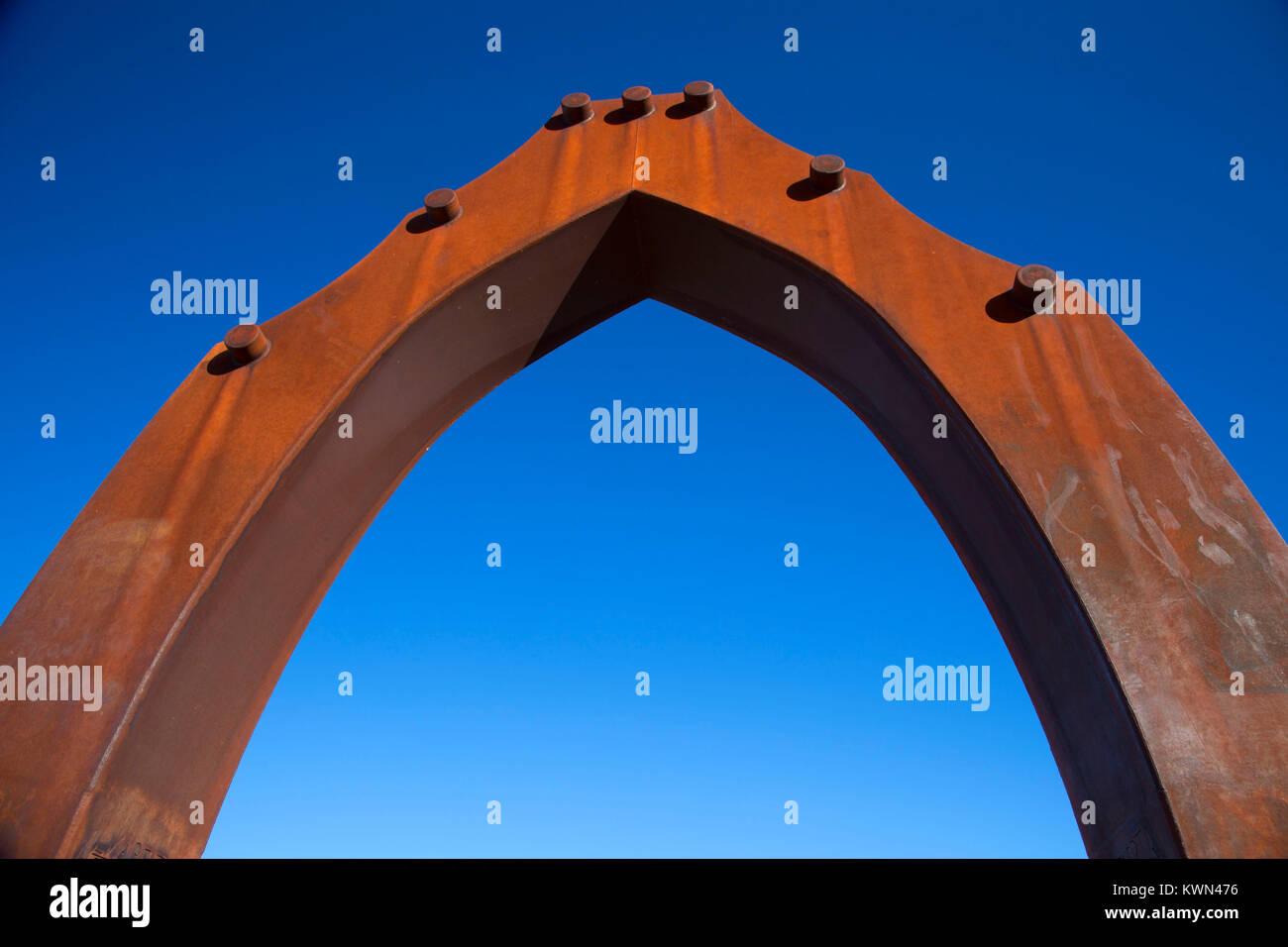 Puerta de tierra stock photos puerta de tierra stock for Parking puerta del sol