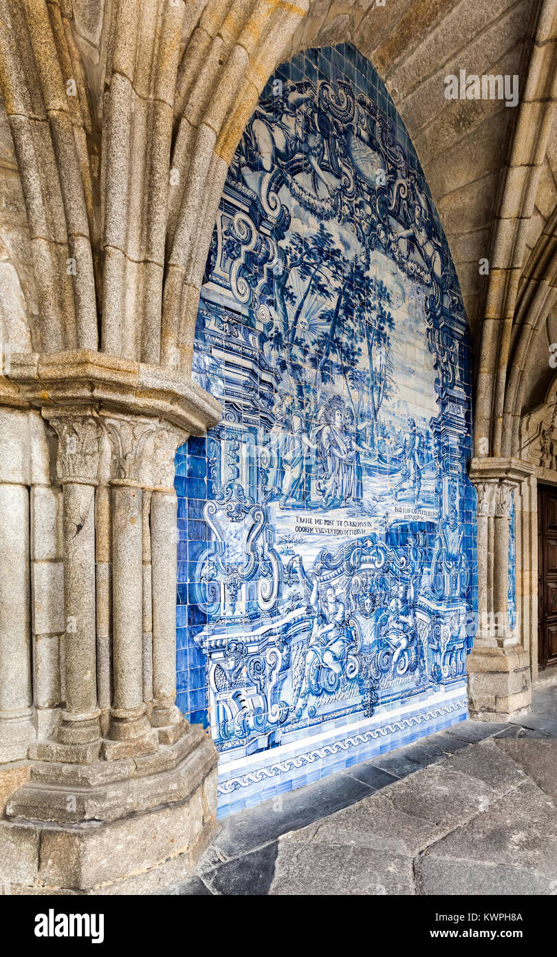 Porto, Portugal, August 14, 2017: The cloister walls of Porto's Cathedral are decorated with the traditional - Stock Image