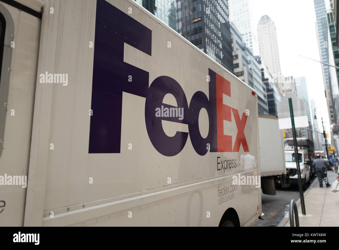 fedral express Shipping options with fedex ground,  freight, and express get shipping rates .