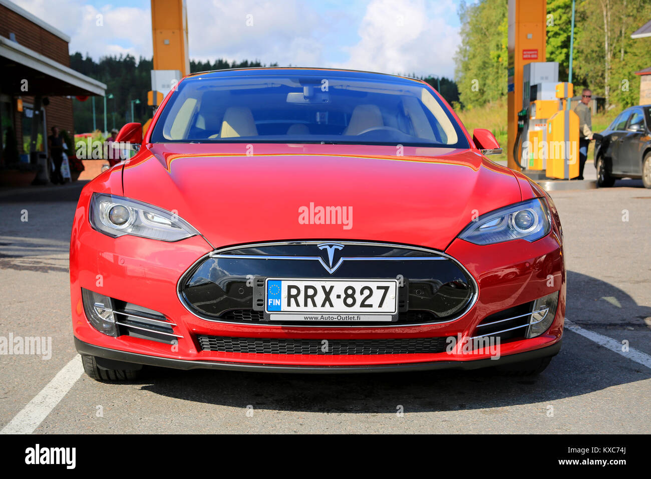 tesla electric car parked in stock photos tesla electric car parked in stock images alamy. Black Bedroom Furniture Sets. Home Design Ideas