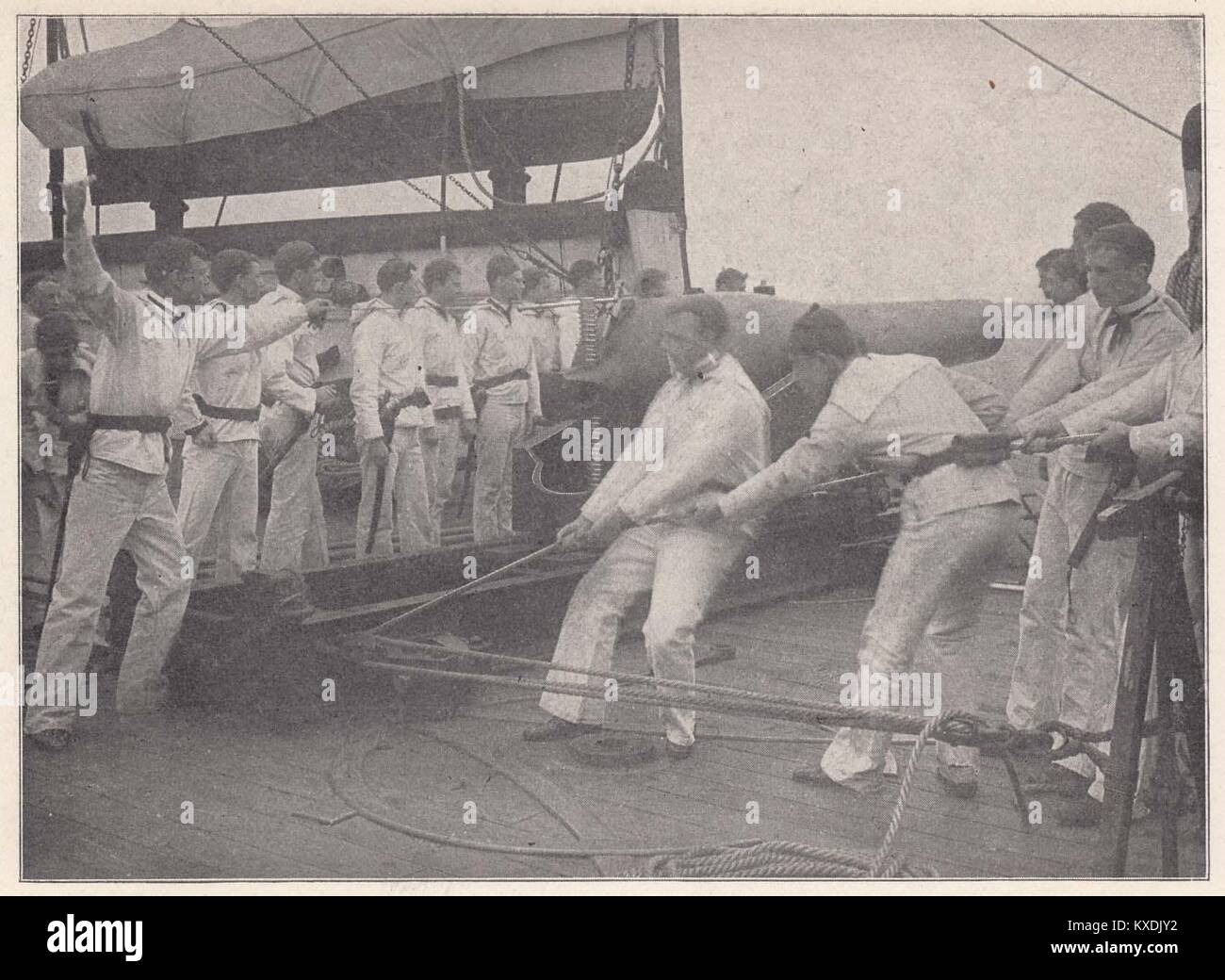 Gunnery Practice on a United States Training ship - The use of enormous guns aboard battleships does not consist - Stock Image