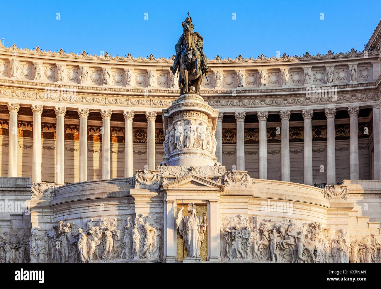 Monumento a Vittorio Emanuele II, Via del Teatro di Marcello, Rome, Italy. - Stock Image