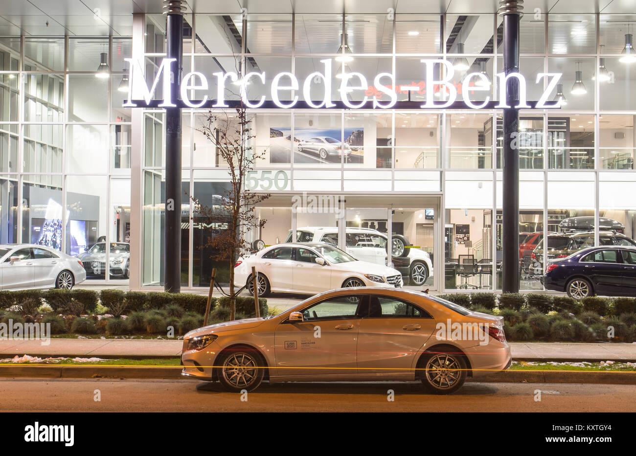 Mercedes benz car dealership night stock photos mercedes for Dealer mercedes benz