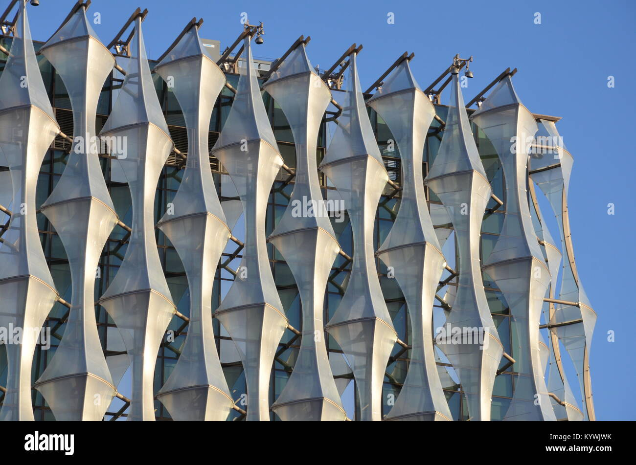 London, UK. 16th Jan, 2018. The new US Embassy in London opens to the public. 3pm, 16 January 2018. Nine Elms, Battersea, - Stock Image