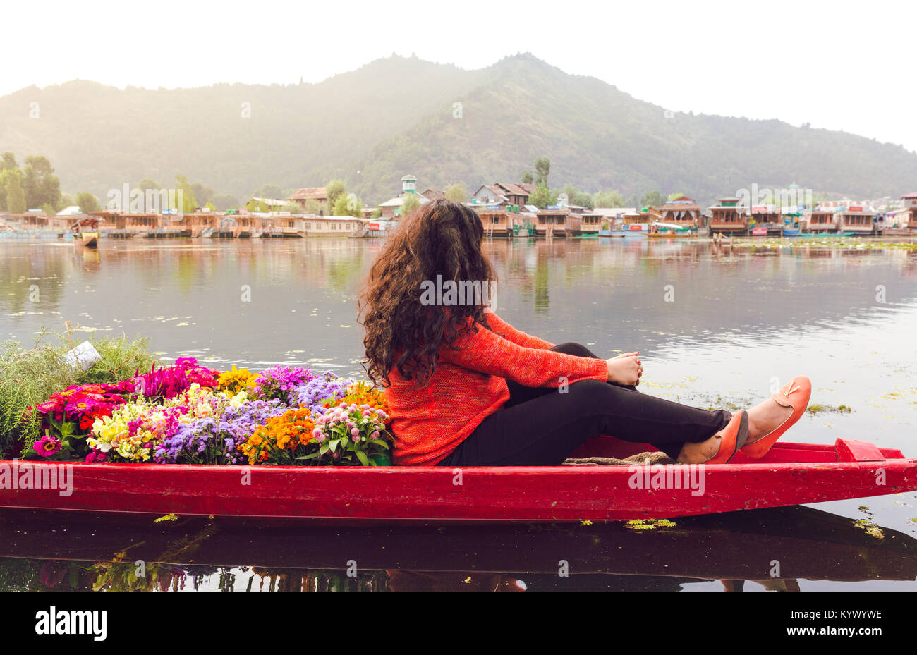srinagar single women Indian women kamasutra  srinagar is the most densely  loduv temple stands out from amongst the kashmiri temple architecture for the single reason that it.