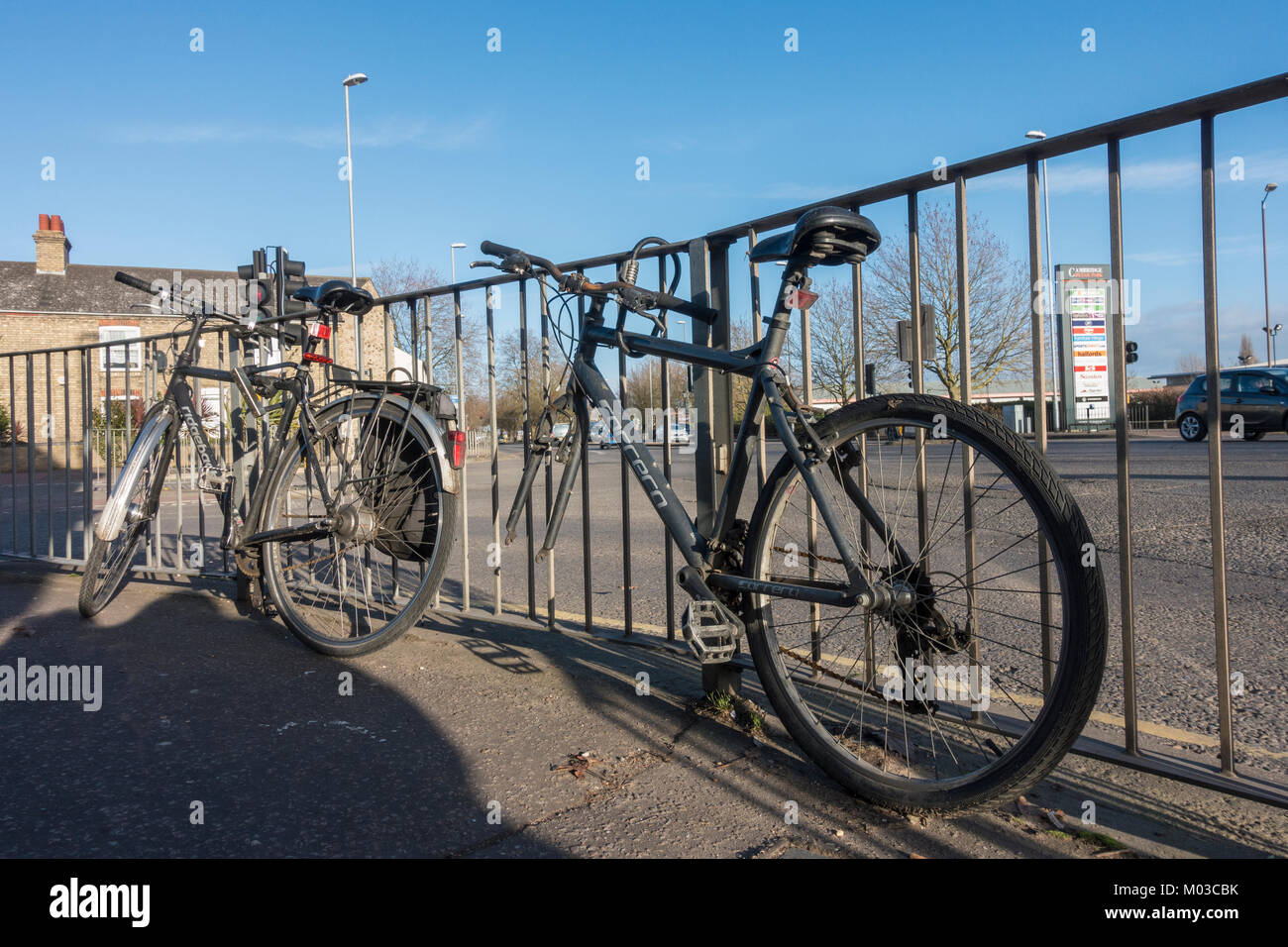 bicycle-without-front-wheel-M03CBK.jpg