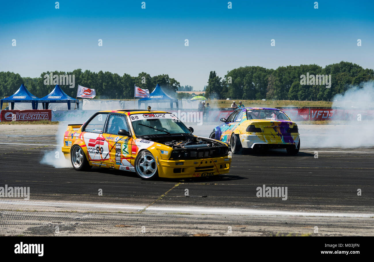 Bmw Cars Line Stock Photos Amp Bmw Cars Line Stock Images