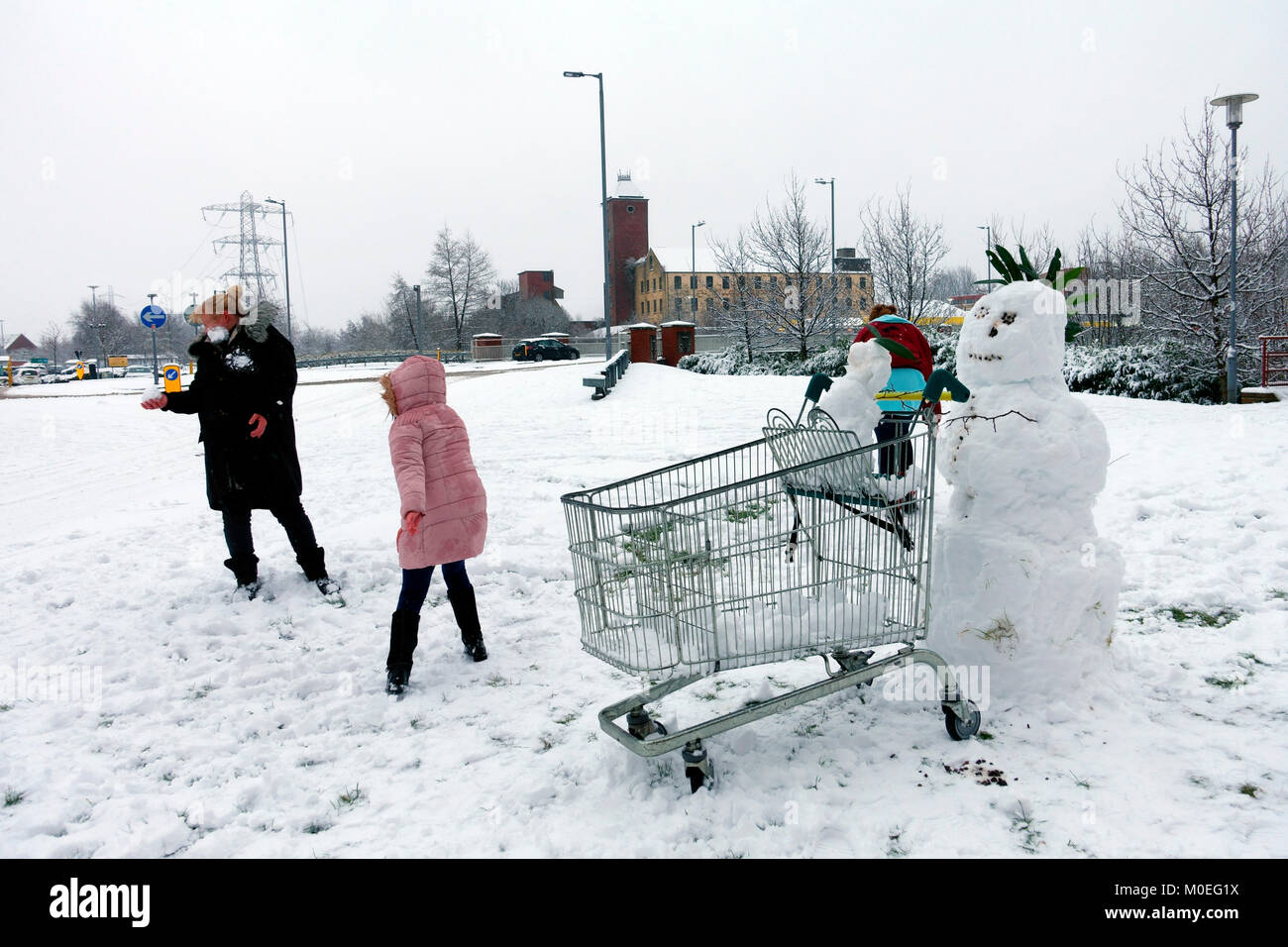 snowman-with-snow-baby-sitting-in-superm