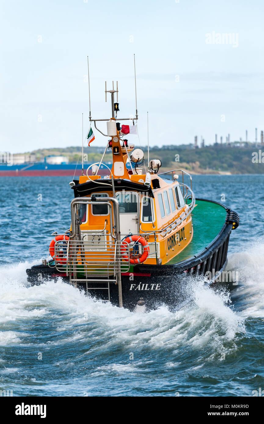 port-of-cork-pilot-boat-filte-races-away