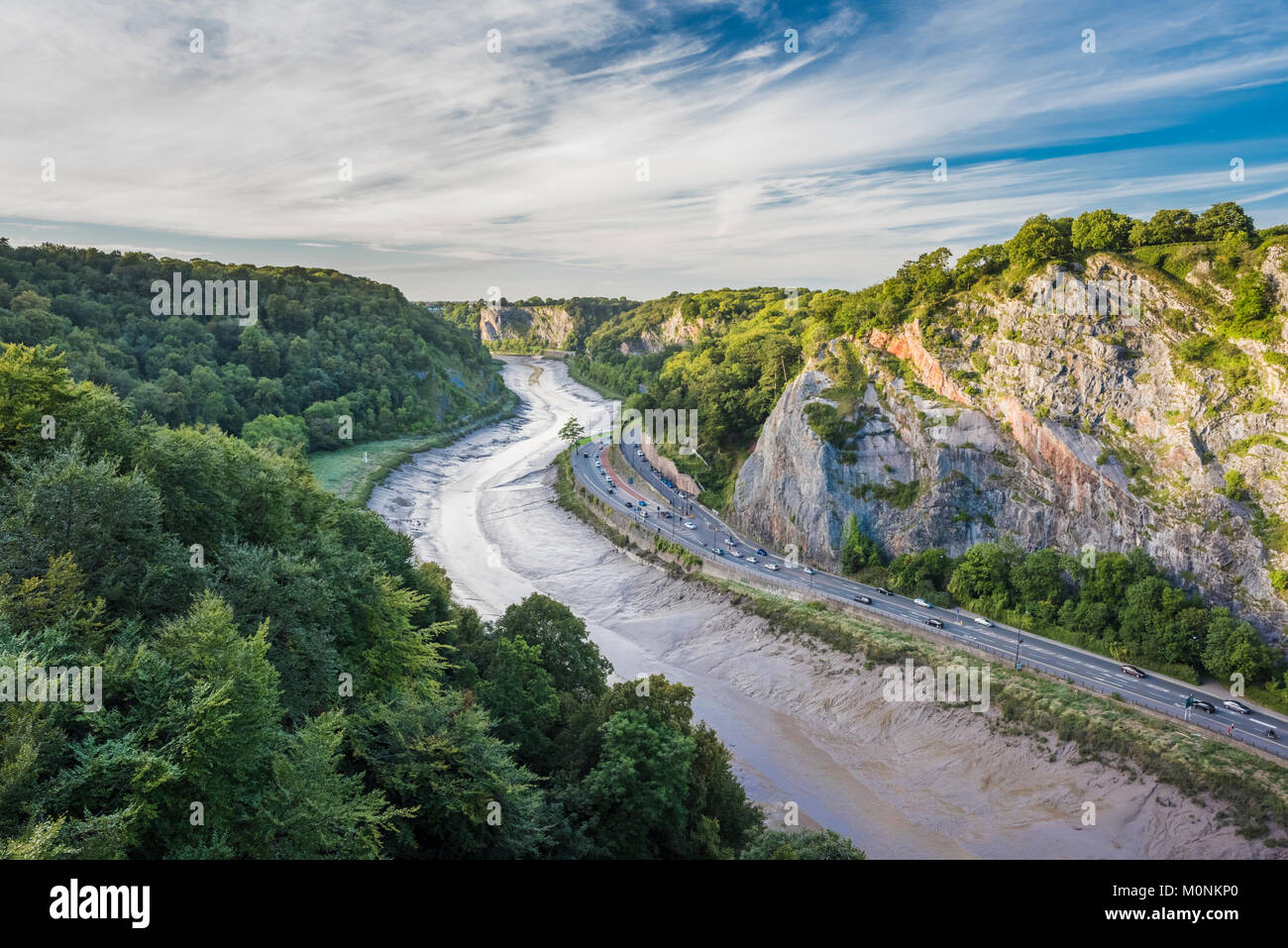 the-avon-gorge-with-the-river-avon-flowing-in-the-centre-of-its-highly-M0NKP0.jpg