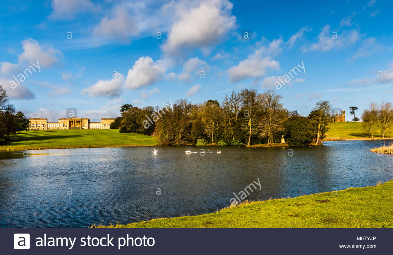 Octagon Lake at Stowe Landscape Gardens, Buckinghamshire, UK - Stock Image