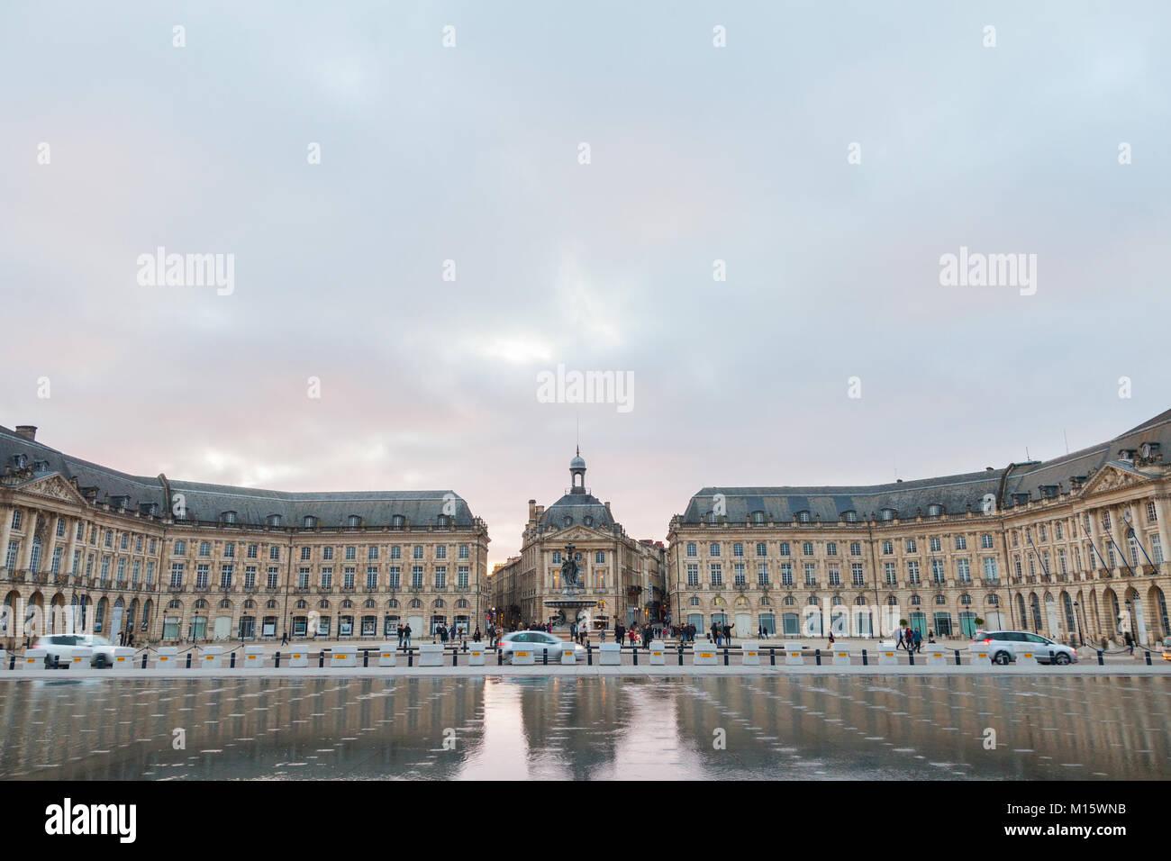 BORDEAUX, FRANCE - DECEMBER 24, 2017: Water Mirror (Miroir d'Eau) fountain on place de la Bourse square. It - Stock Image