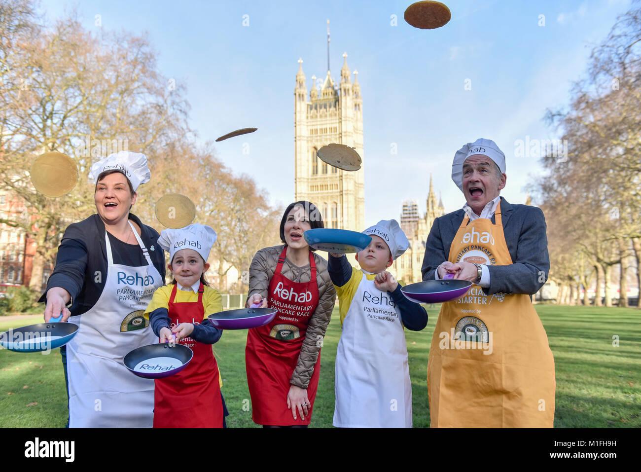 London, UK. 30th Jan, 2018. (L to R) Tonia Antoniazzi MP for the Parliament Team, and ITV News' Lucrezia Millarini - Stock Image