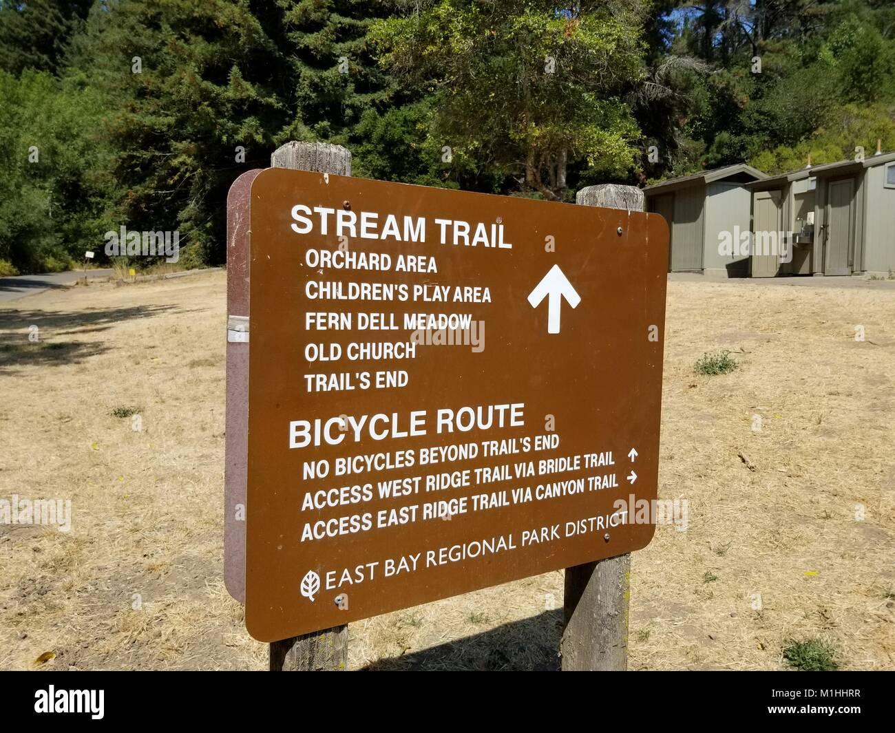 Sign for Stream Trail at Redwood Regional Park, an East Bay Regional Park in Oakland, California, September 5, 2017. - Stock Image