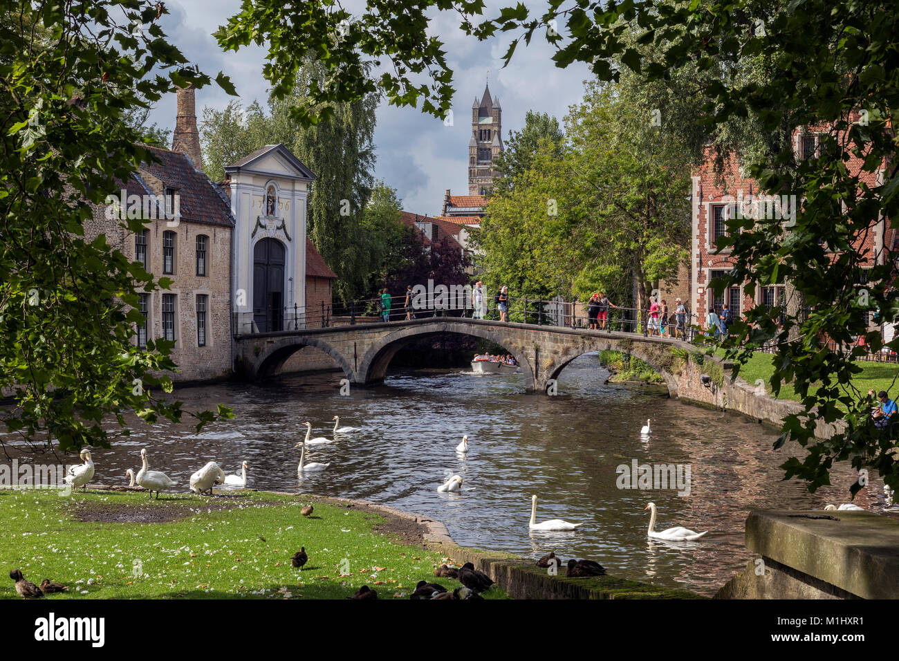 View from Parque de la Vina to the Begijnhof Bridge in the city of Bruges in Belgium. - Stock Image