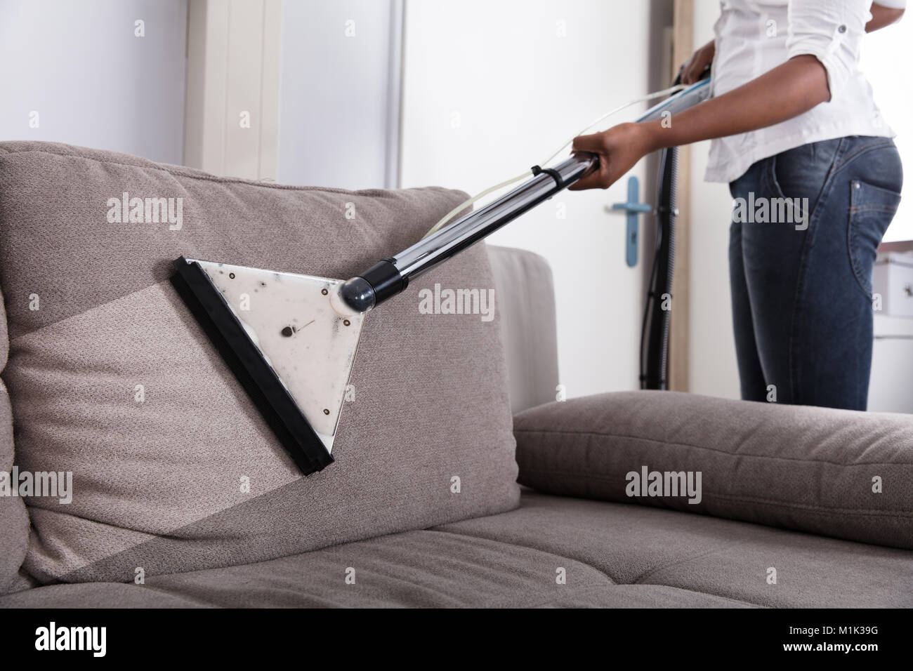 how to clean sofa without vacuum cleaner