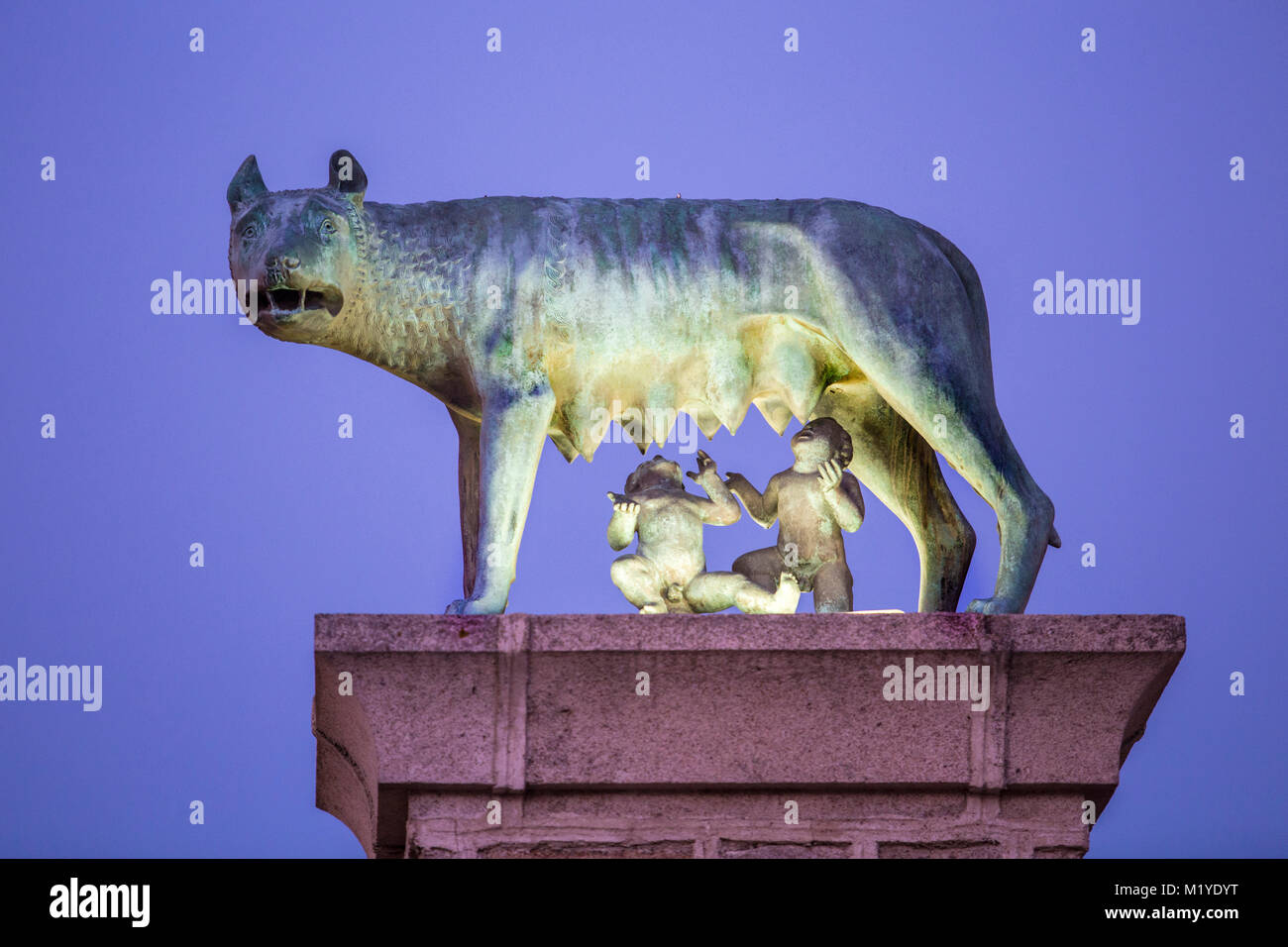 Bronze sculpture of the she-wolf with Romulus and Remus, Replica at Merida city, Spain - Stock Image