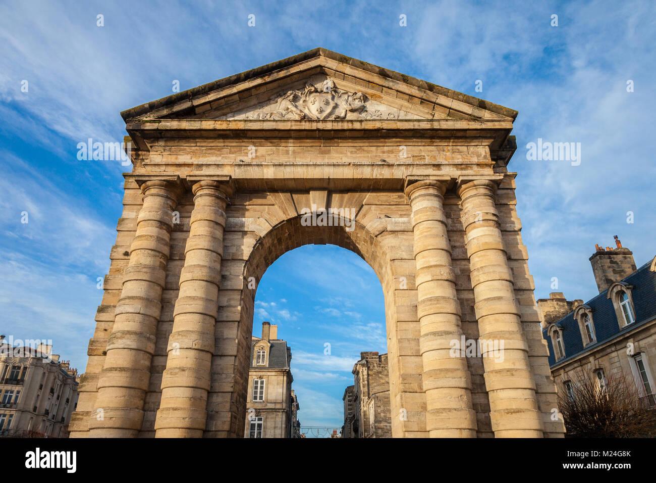 Porte d'Aquitaine (Aquitaine Gate) with its symbolic arch on Place de la Victoire Square in Bordeaux, France. - Stock Image