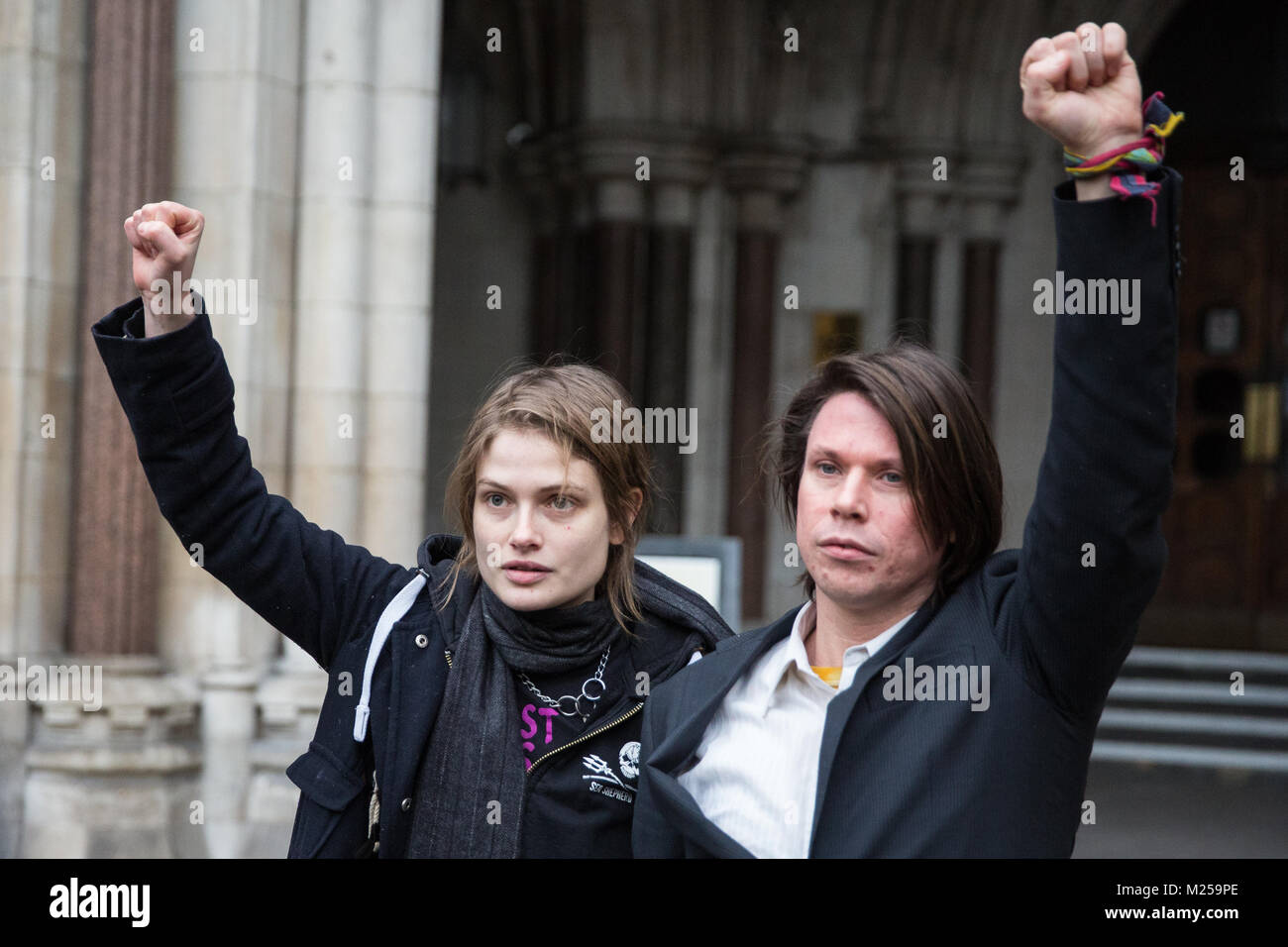 London, UK. 5th February, 2018. Alleged computer hacker Lauri Love (seen here with his girlfriend Sylvia Mann) appears - Stock Image