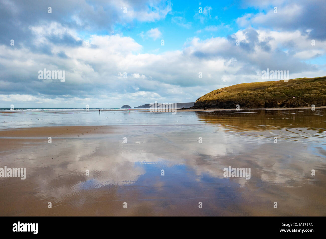 winter low tide at perranporth beach, cornwall, england, uk. - Stock Image