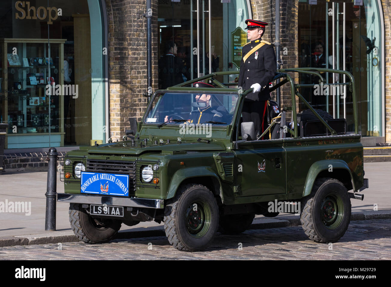 London, UK. 6th Feb, 2018. Soldiers in ceremonial attire from the Honourable Artillery Company, the City of London's - Stock Image