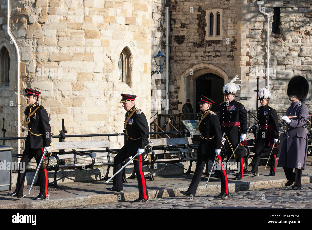 London, UK. 6th Feb, 2018. Dignitaries leave the Tower of London following a 62-gun salute by the Honourable Artillery - Stock Image