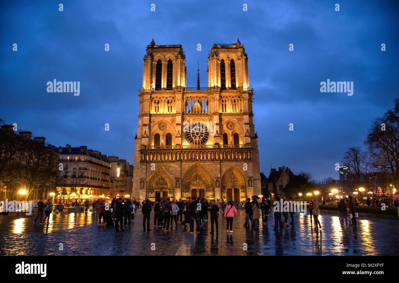 Night view of Notre Dame de Paris, France - Stock Image