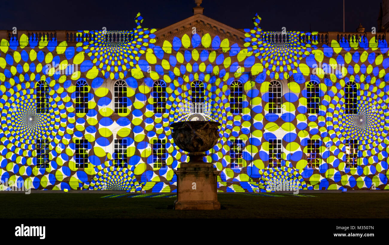 Cambridge, UK. 9th Feb, 2018. The University of Cambridge Senate House is illuminated by a light installation as - Stock Image