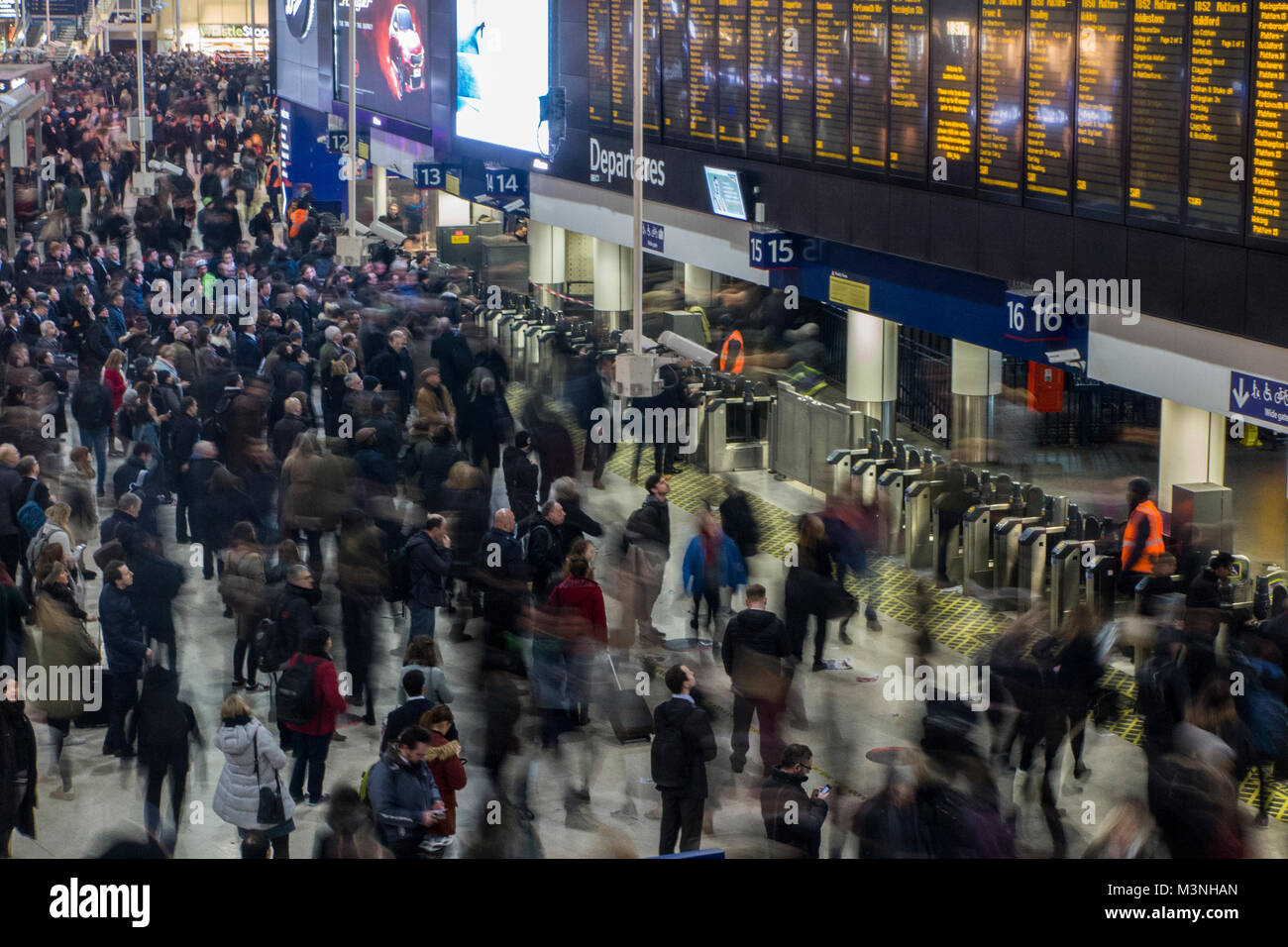 Horrendous crowds at Waterloo station trying to get home - Stock Image