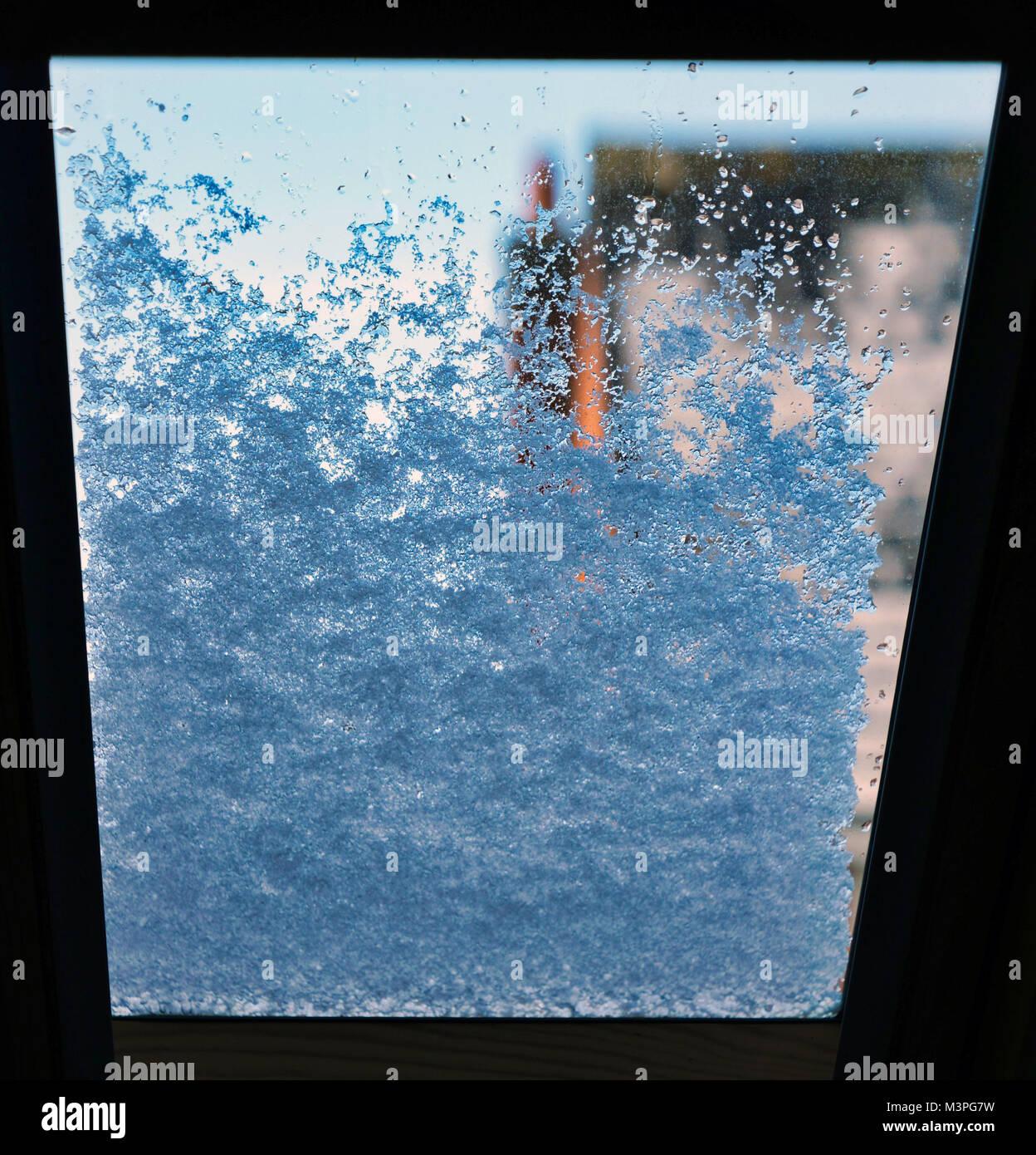 Ashbourne, Derbyshire. 12th Feb, 2018. UK Weather: morning snow on a vlux window in Ashbourne Derbyshire the gateway - Stock Image