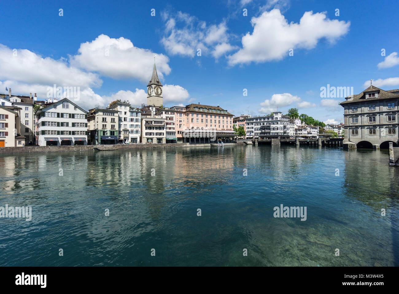 Limmat,  St. Peterskirche, Zürich, Schweiz  | river Limmat, St. Peters church, cityscape Zurich, switzerland - Stock Image