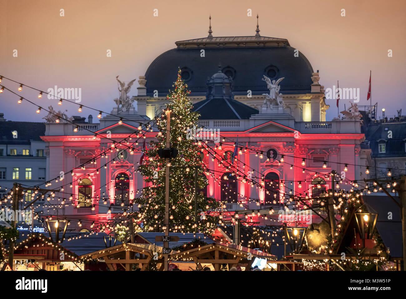 Christmas market, Sechselaeuten square, opera, Zurich, Switzerland - Stock Image