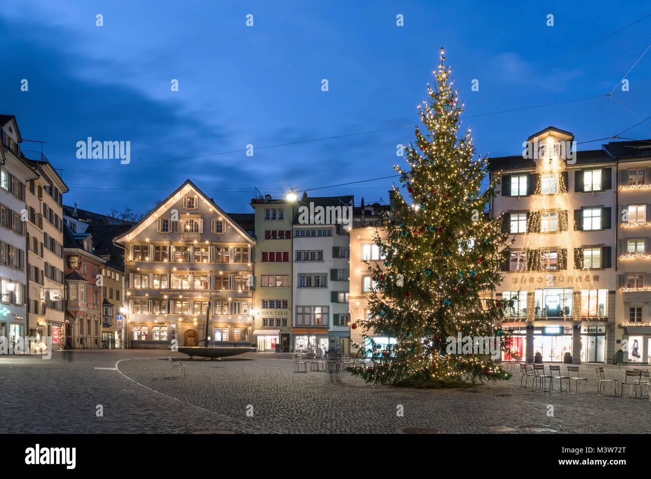 Munster square, Muensterhof, christmas tree, old city center, Zurich, Switzerland - Stock Image