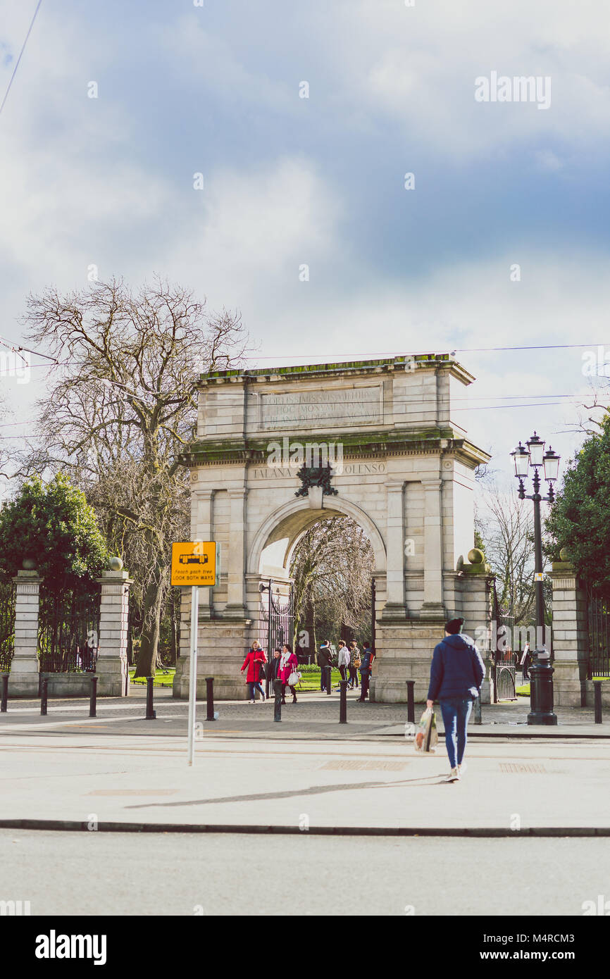 DUBLIN, IRELAND - February 17th, 2018: the Fusiliers Arch at the entrance of St Stephen's Green park in Dublin - Stock Image