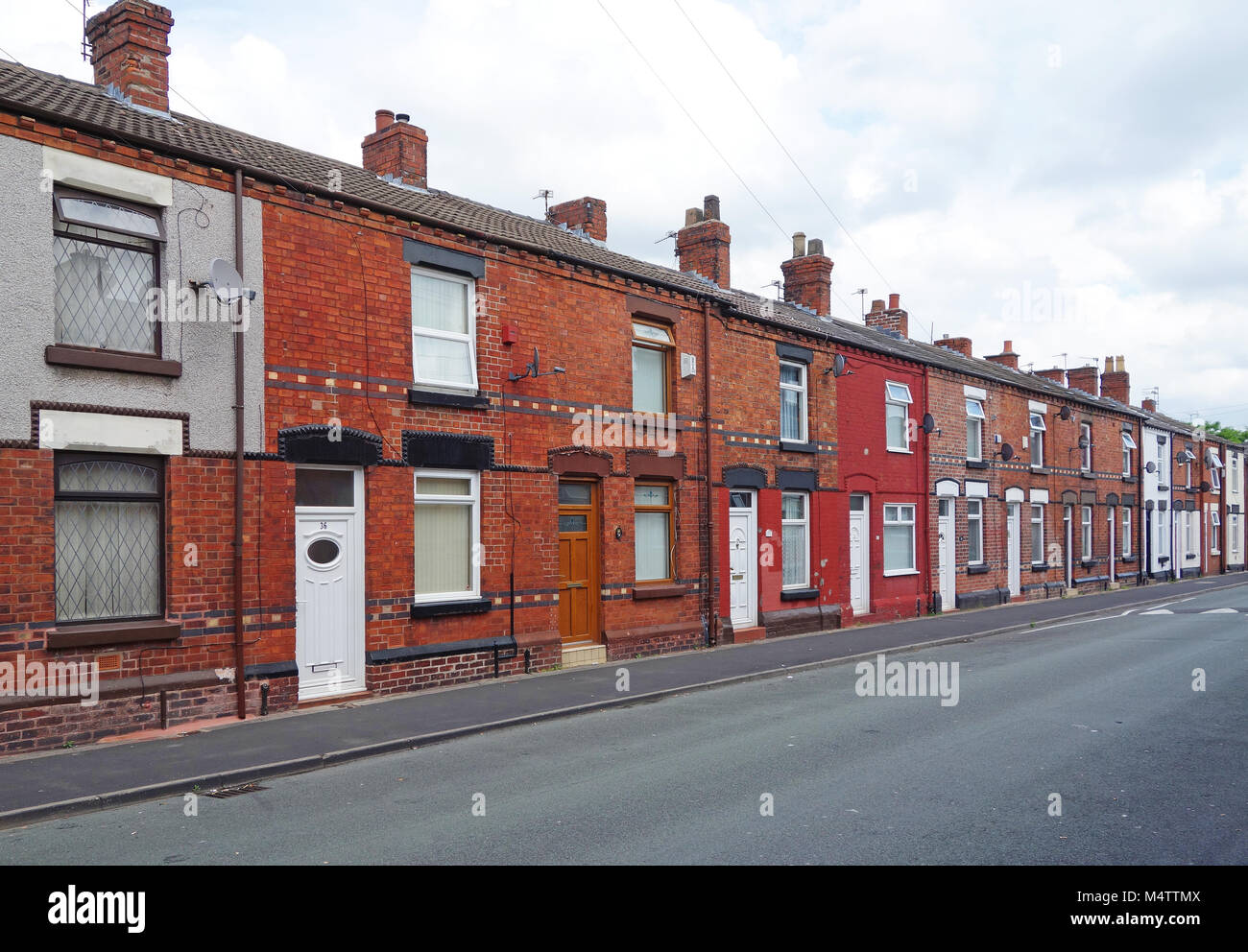 traditional terraced homes street northern england town. - Stock Image