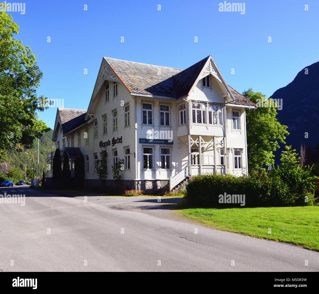 Geiranger norway town stock photos geiranger norway town for Small historic hotels
