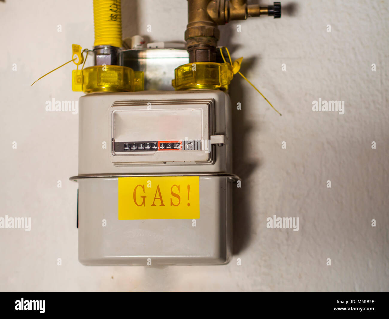 how to change pay as you go gas meter
