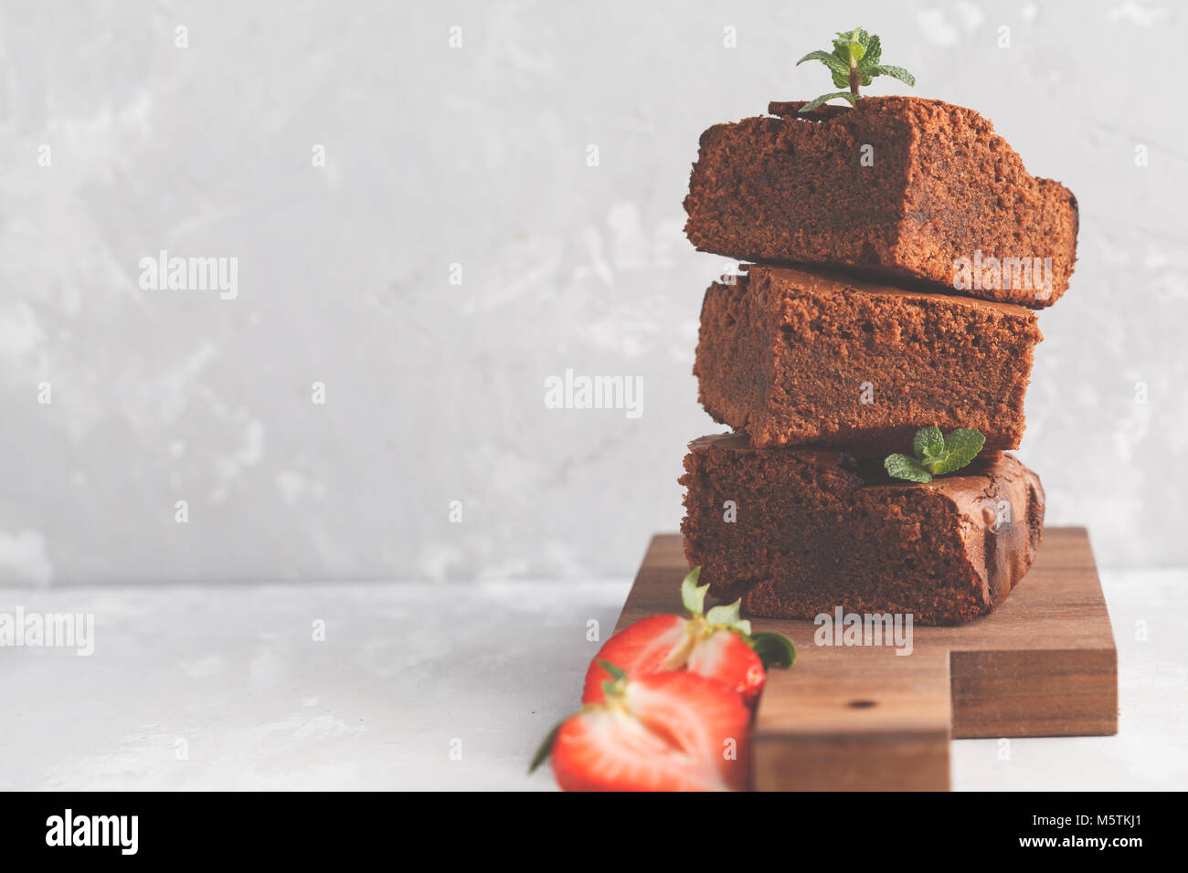 how to make chocolate pieces for cake decorating