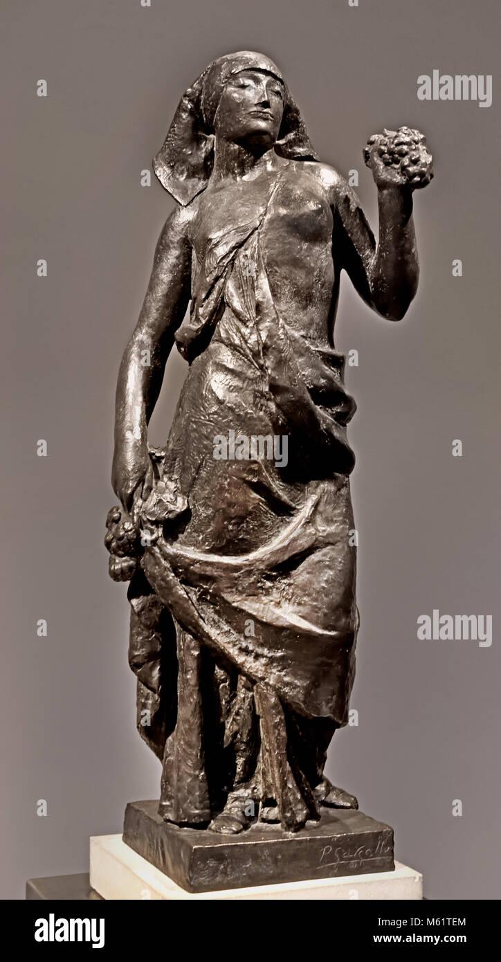 La Vendimiadora - The Grape Harvester 1928  Pablo Emilio Gargallo (1881 – 1934) was a Spanish sculptor and painter - Stock Image