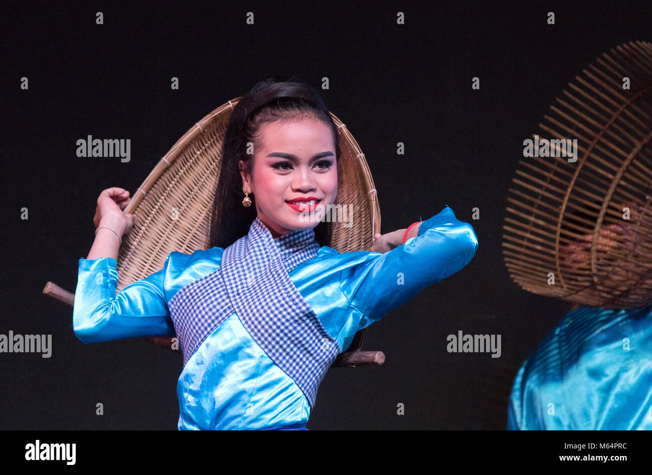 cambodia-dance-traditional-cambodian-fol