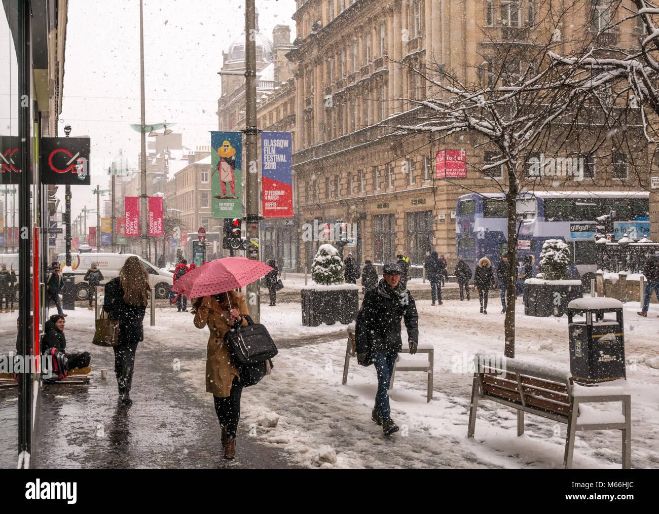 snowing-buchanan-street-central-glasgow-