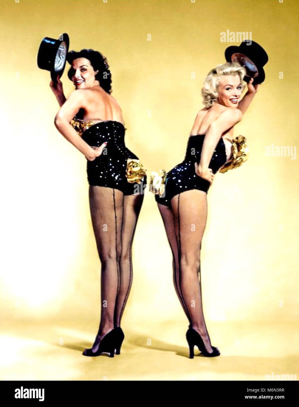 GENTLEMEN PREFER BLONDES 1953 MGM film with Jane Russell at left and Marilyn Monroe - Stock Image