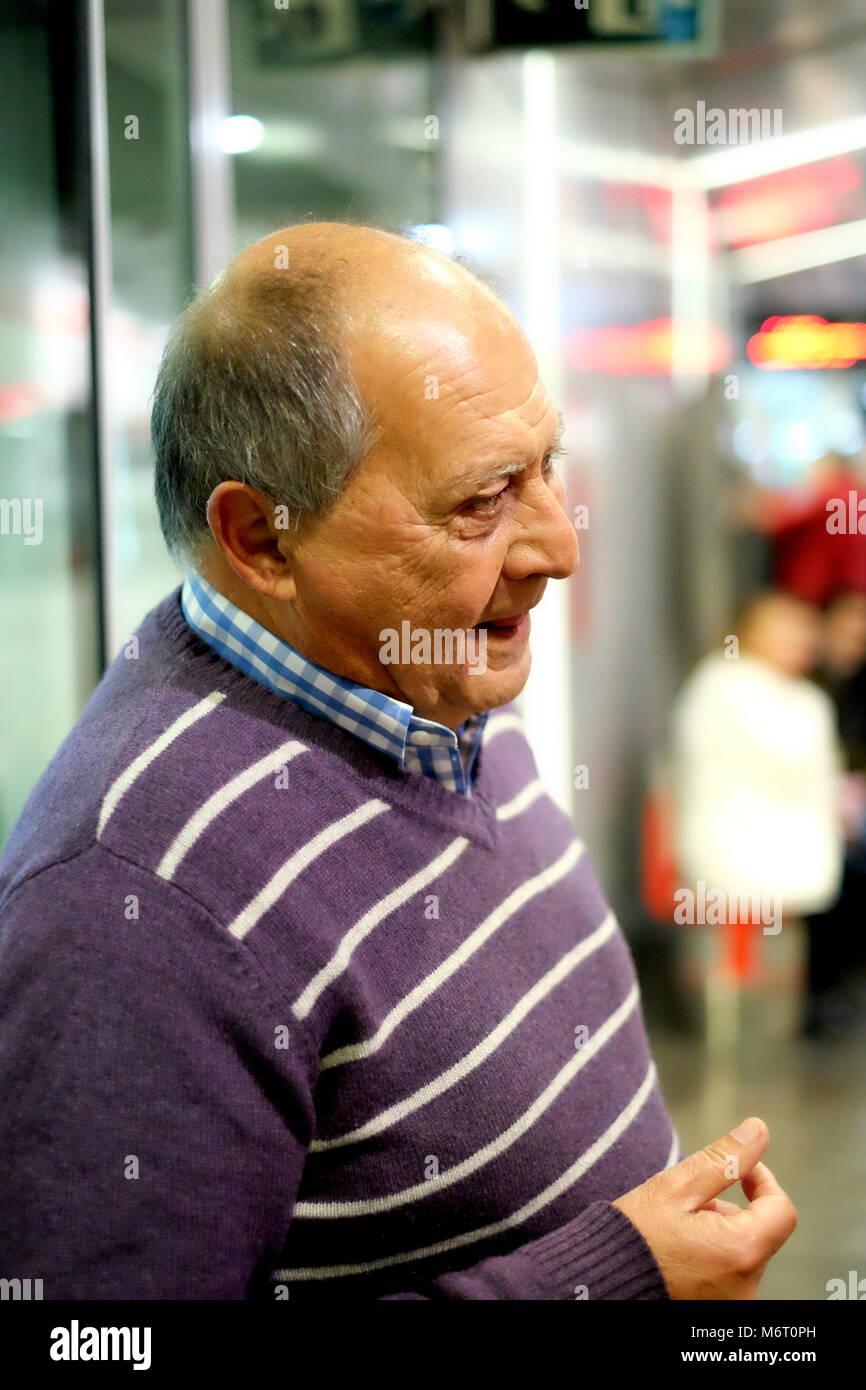 elderly-spanish-man-malaga-spain-M6T0PH.